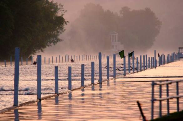Henley-swim-2013-at-4-30-in-the-morning-30-6-13