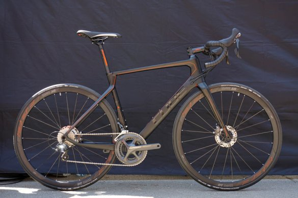 2016-Cube-Agree-C62-carbon-road-bikes-02